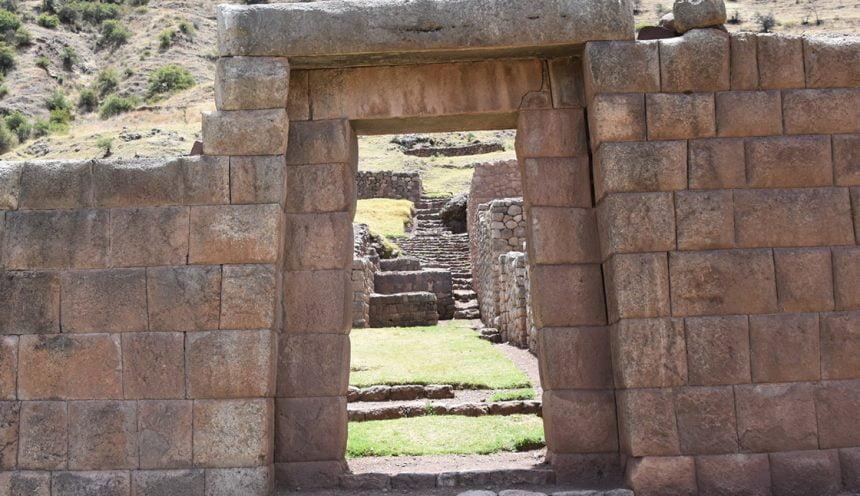 Organizing Treks Through the Maukallaqta Ruins Near Cusco