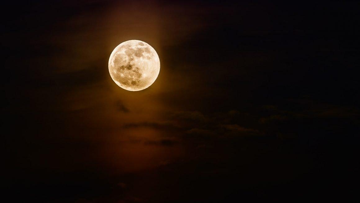 Full Moon Tour