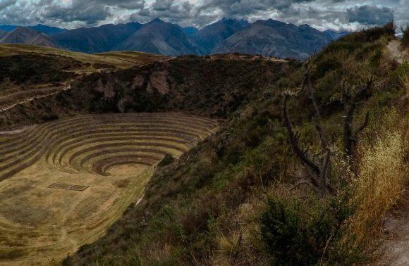 揭开秘鲁印加帝国的神秘面纱:莫瑞(Moray)的圆形梯田究竟是什么?